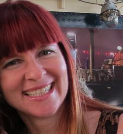 Suzanne Carillo Blogger