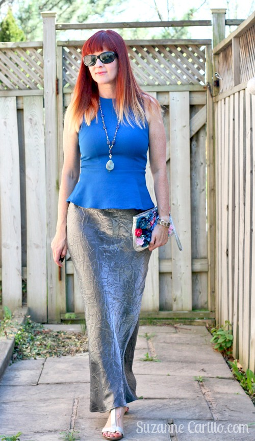 how to wear a silver maxi skirt when you are petite