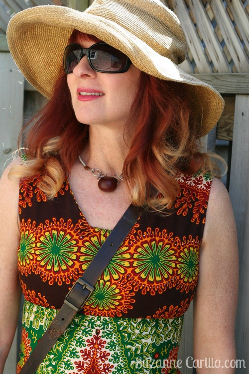 how to wear bold print vintage dresses over 40