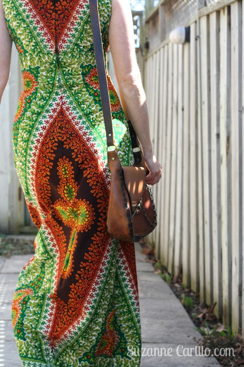 how to wear maxi dresses over 40