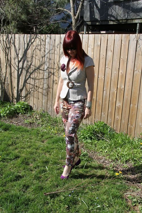 how to style printed pants over 40 style suzanne carillo
