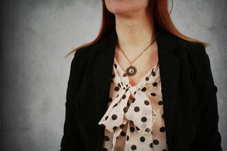 Dots_bow_necklace