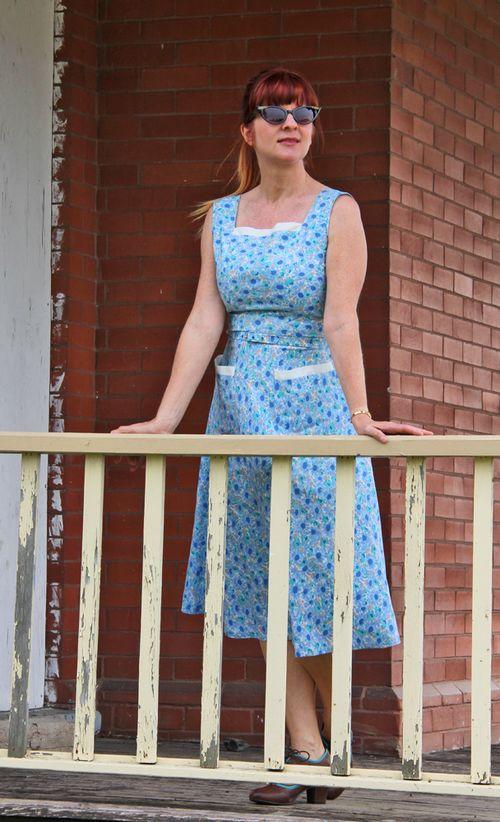 Blue white vintage floral dress