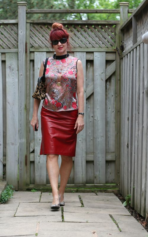 How to combine patterns paisley snakeskin leopard red leather skirt suzanne carillo style files