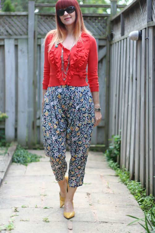 Silk patterned harem pants anthropologie how to wear harem pants over 40 suzanne carillo style files