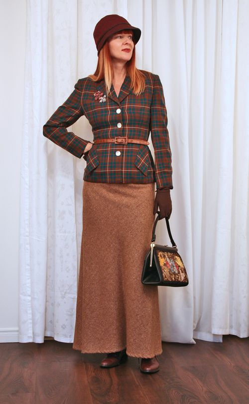top tips for shopping vintage clothing 1940's women's vintage plaid blazer