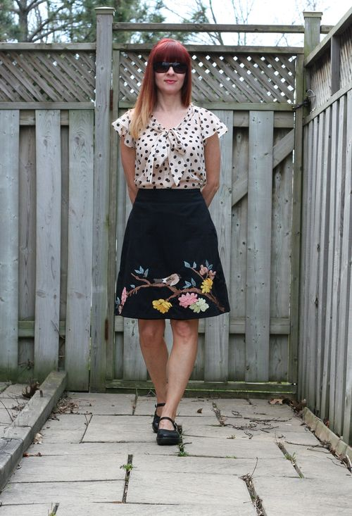 Vacation outfit ideas anthropologie bird skirt H&M polkadot blouse