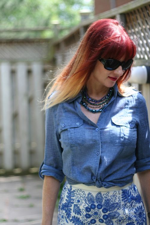 Chambray shirt what to wear on vacation suzanne carillo style files