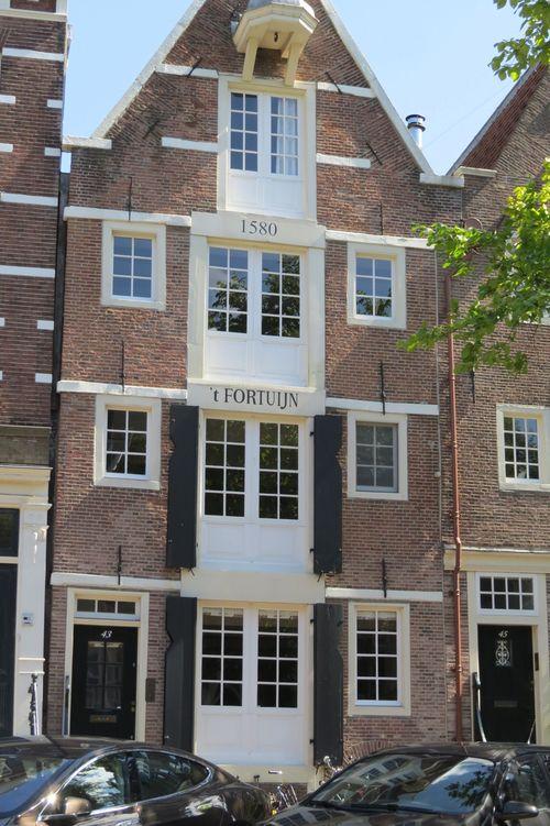 Beautiful building amsterdam 1580 suzanne carillo style files