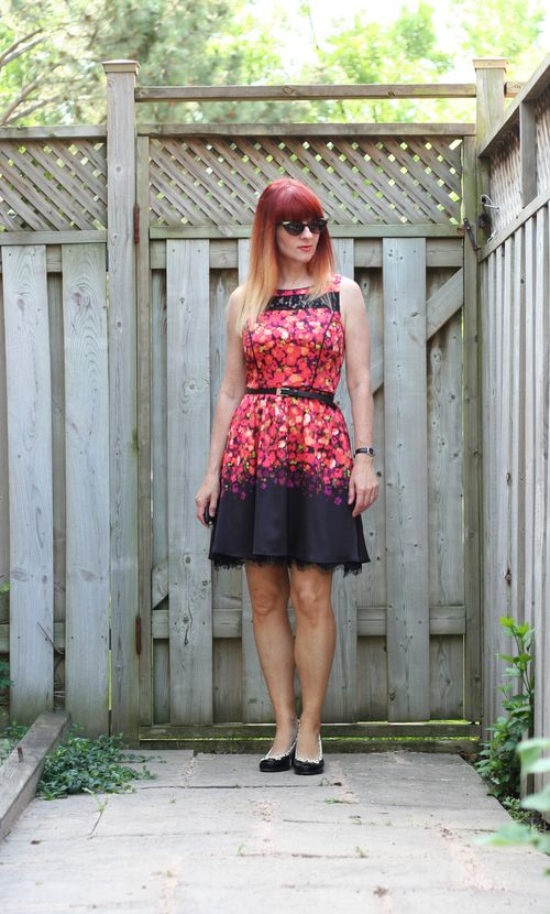 Floral and black jessica simpson dress suzanne carillo style files