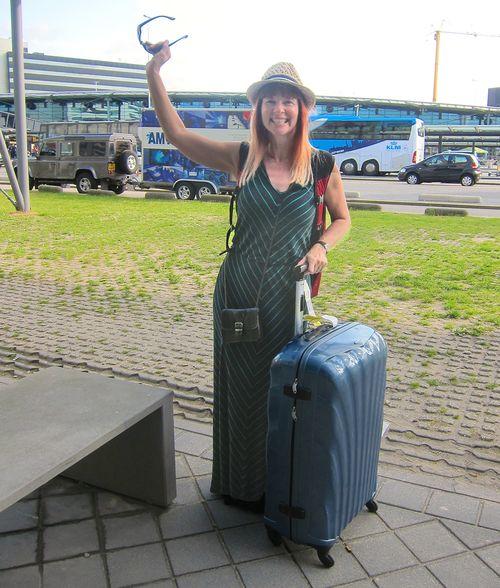 Suzanne carillo arriving amsterdam airport