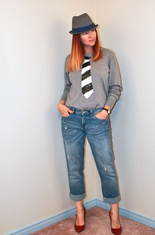 How to wear sequins during the day Black and white sequin tie sweatshirt